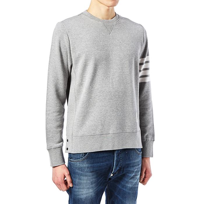 톰브라운(THOM BROWNE) 사선 완장 MJT021H 00535 068 남자 긴팔 맨투맨 티셔츠