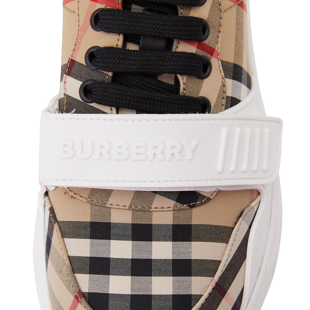 버버리(BURBERRY) 빈티지 체크 REGIS M LOW 8020282 남자 스니커즈